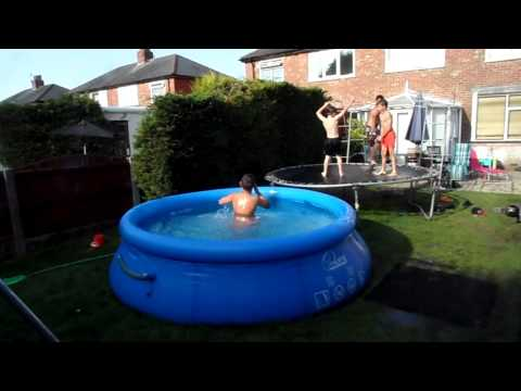 EXTREME PADDLING POOL ANTICS IN HOT WEATHER