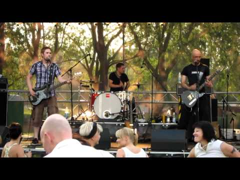 Sweatmaster - Dirty Rabbit (Live at Klustermus, Rauma 11.6.2011)