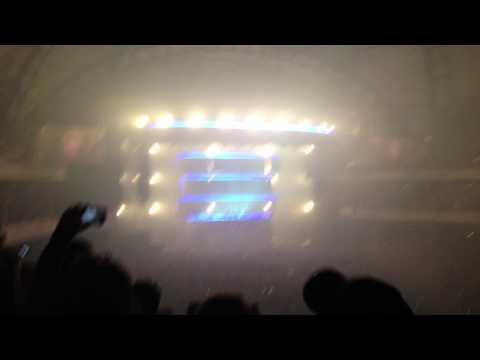 Swedish House Mafia Frankfurt One Last Tour 06.12.2012 Usher - Euphoria mp3