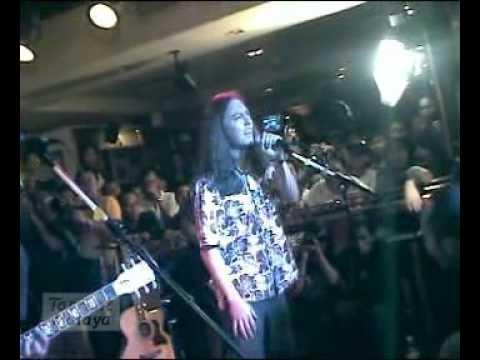 14 Butterfingers - Merpati Sejoli (Live @ Hard Rock Cafe Kuala Lumpur 2005)