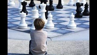 Ingenious pawn sacrifice and d5 pivot    Bobby Fischer vs Erich Eliskases    Mar del Plata (1960)