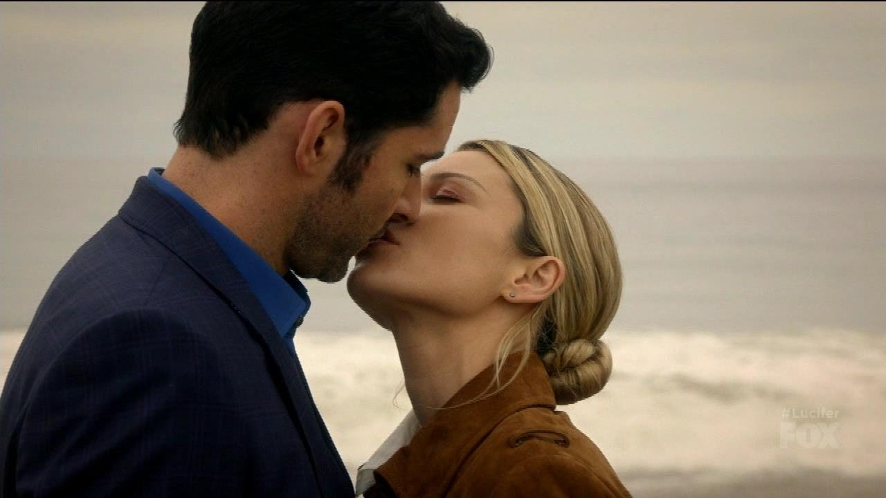 Download Lucifer 2x11 Ending  Lucifer and Chloe Kiss Season 2 Episode 11