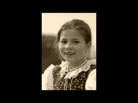 PUĽS - Poňiže Jakubjan (Slovak Folk Song)