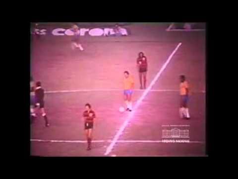 FLAMENGO 2 X 1 SELEÇÃO BRASILEIRA - 1976