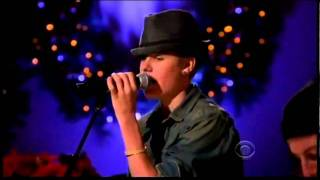 Justin Bieber - Mistletoe (Live On A Home For Holidays 2011)