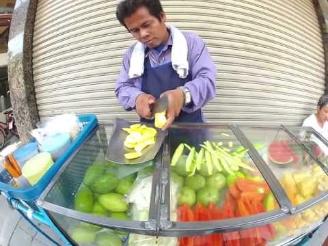 Bangkok vendor knife skills.