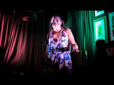 EvieM live Cover of Whitney Houston's 'I Have Nothing'