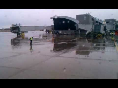 airTran flight 362 landing Flint MI on a Boeing 717