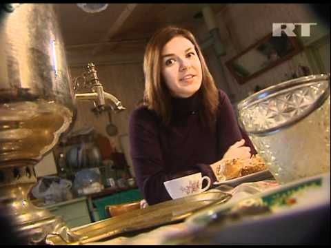 Brewing tea Russian-style, with a samovar (RT TV)