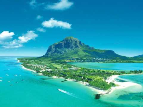 The Mascarene Islands in the Indian Ocean east of Madagascar consisting of Mauritius, Réunion