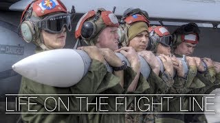 Video LIFE ON THE FLIGHT LINE: F/A-18 Hornet Squadron In Action download MP3, 3GP, MP4, WEBM, AVI, FLV Juli 2018