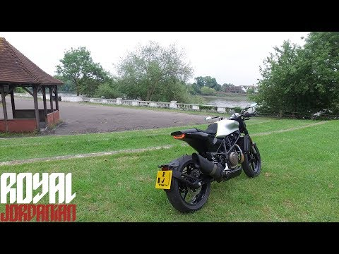 Husqvarna Vitpilen  walk around & Start