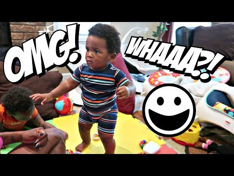 OMG! JAXSON IS STANDING UP ON HIS OWN! (WITHOUT HOLDING ANYTHING!) 😱😱😱😱