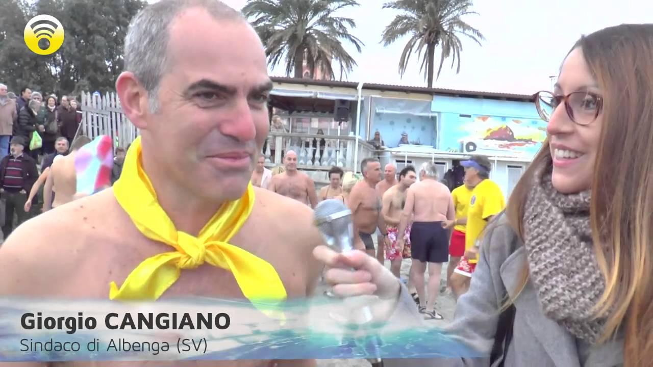 Cimento ingauno 2015, e il sindaco Cangiano si tuffa in acqua: video #1