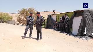 أهالي الخان الأحمر يترقبون آليات الاحتلال مع انتهاء مهلة الإخلاء - (30-9-2018)