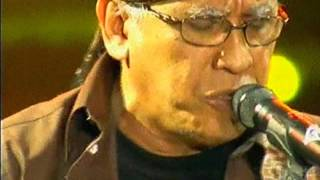Video Sore Tugu Pancoran - Iwan Fals on Kilau Raya MNCTV 24, 20-10 -15 download MP3, 3GP, MP4, WEBM, AVI, FLV Maret 2017