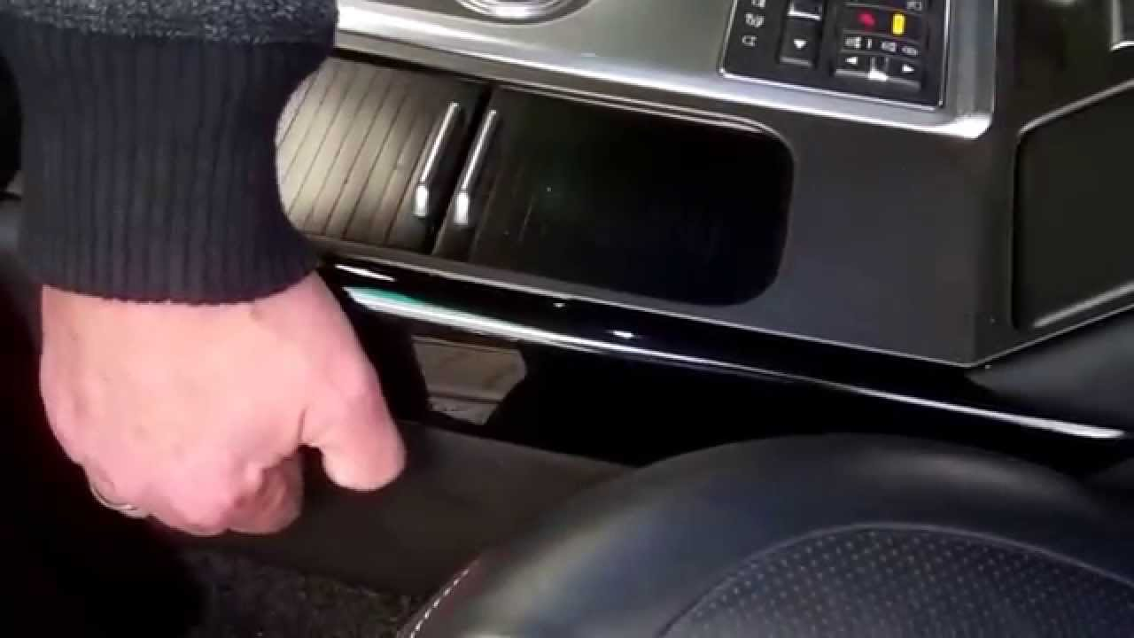 How to remove center console side trims on Range Rover L322 2010 on