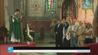 المسلمون يشاركون المسيحيون في قداس تأبين الكاهن جاك هاميل