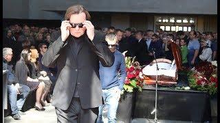 Две семьи Доренко встретились на его похоронах, Эрнст не сдержал слез...