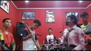 Utopia - Hujan (cover by jisonglu band training session)