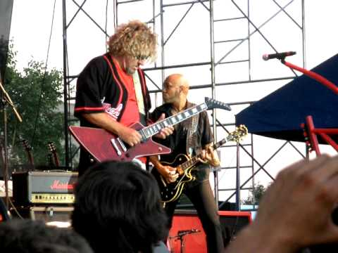 sammy hagar live bad motor scooter 7 2 2010 naperville il ribfest youtube. Black Bedroom Furniture Sets. Home Design Ideas
