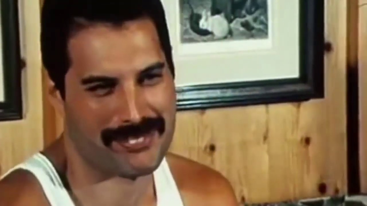 10 Unforgettable Freddie Mercury Moments Youtube