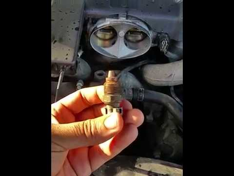 Ford/Lincoln 5.4L Coolant Temperature Sensor location - YouTube
