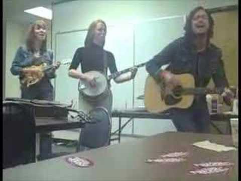 QDR Acoustic Cafe: Fisher Stevenson