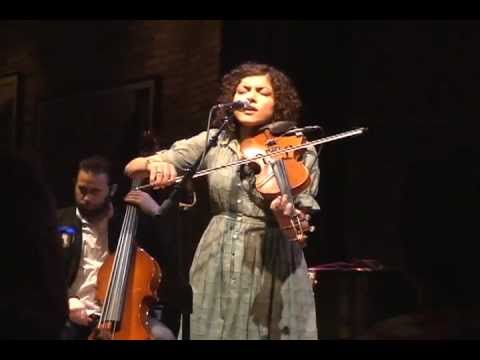 Carrie Rodriguez - Absence