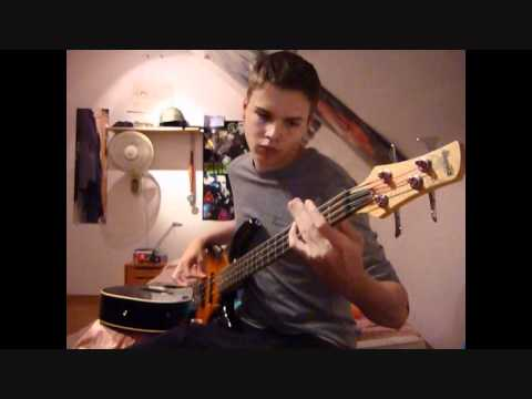 MUSE - Supermassive Black Hole {Bass Cover} with TABS ...