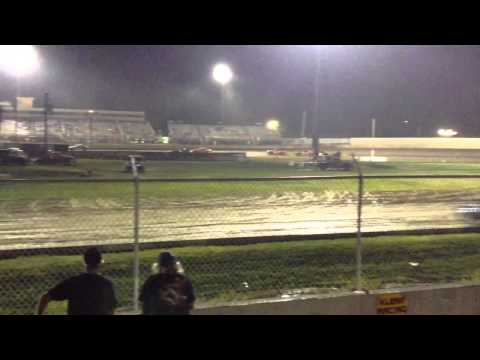 34 raceway stock car feature 8-2215 pt2