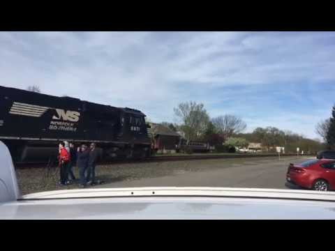 [Live] Trains in Chesterton, IN (04/21/17)
