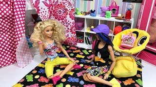 Barbie Sleepover Skipper and friend!! Truth or Dare!! Pool!