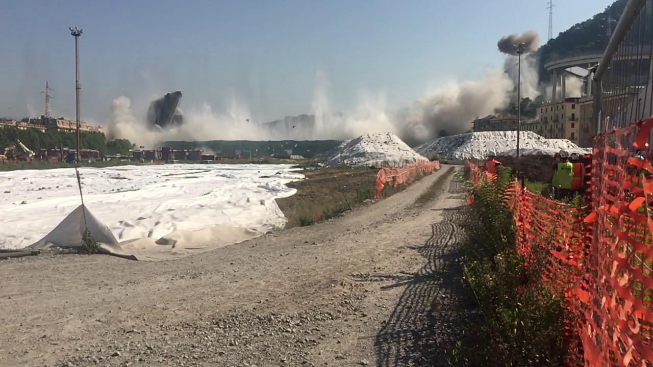 2019 -  Genova demolizione Ponte Morandi