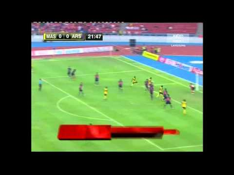 Malaysia vs Arsenal (1st Half Time) Travel Video