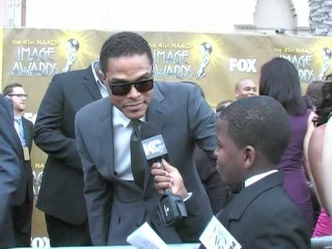 Damon Weaver Interviews Singer Maxwell at the 2010 NAACP Image Awards