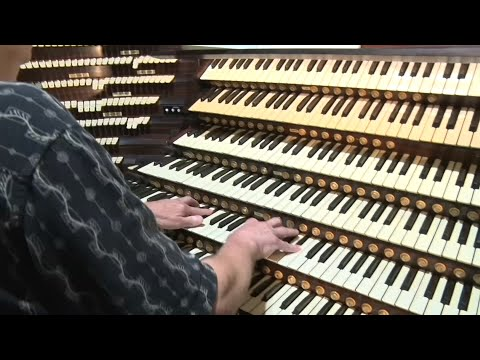 World's largest instrument undergoes restoration