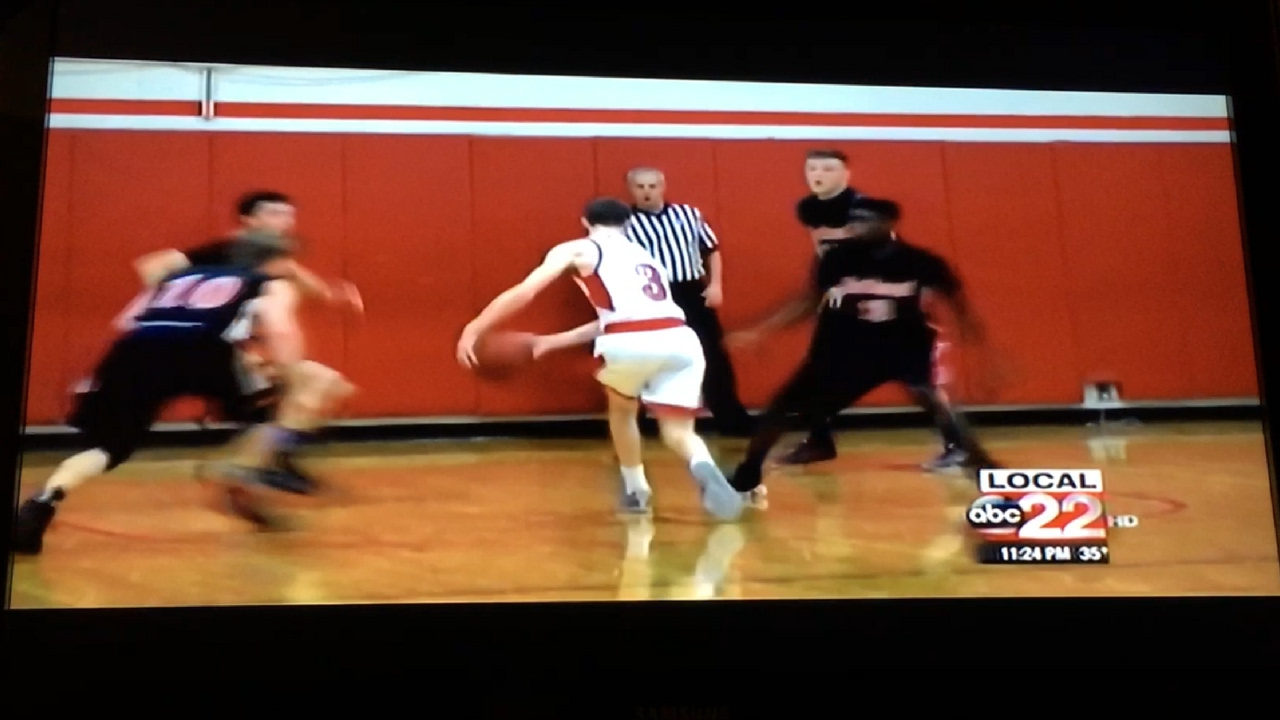 Cool Basketball Behind The Back Pass For A Three - YouTube