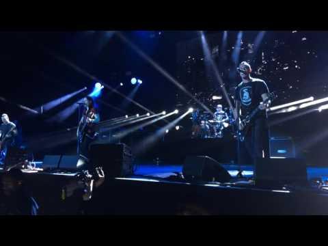 'Isolation' - Alter Bridge - LIve @ The O2 London 24-Nov-2016 [HD Audio]