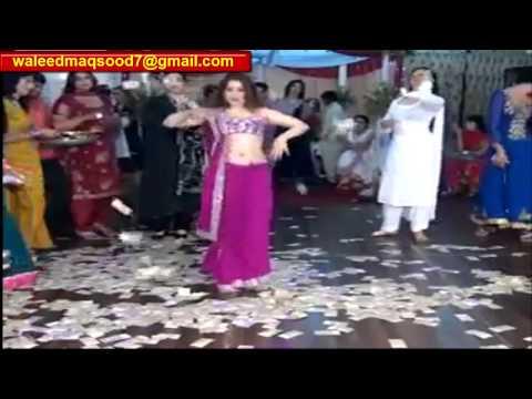 Aj ral ke guzaran ge rat [Mehwish jan] punjabi song and mujra