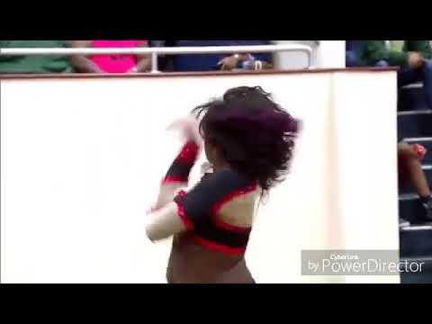 Dancing dolls legs shakin