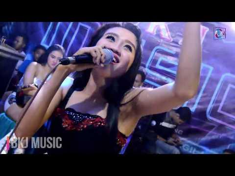 Popy Ratu Panggung- Gerimis Melanda Hati Versi BKJ Music
