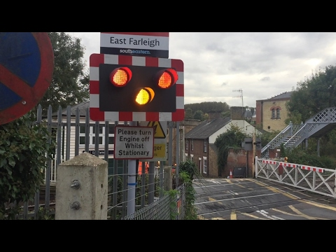 *Rare Upgrade!*  East Farleigh Level Crossing, Kent (Friday: 21/10/2016)