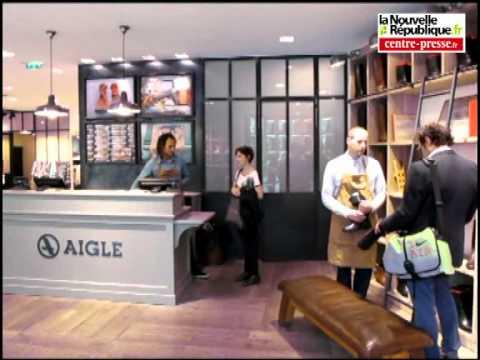 108ec0117c0 Aigle ouvre une boutique sur les Champs-Elysées - YouTube