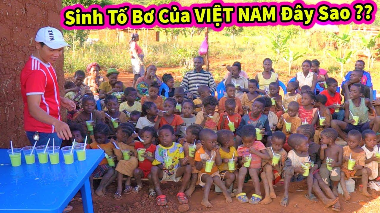 Quanglinhvlogs    Cảm Nhận Của Các Em Khi Lần Đầu Thưởng Thức Món Sinh Tố Bơ của Việt Nam