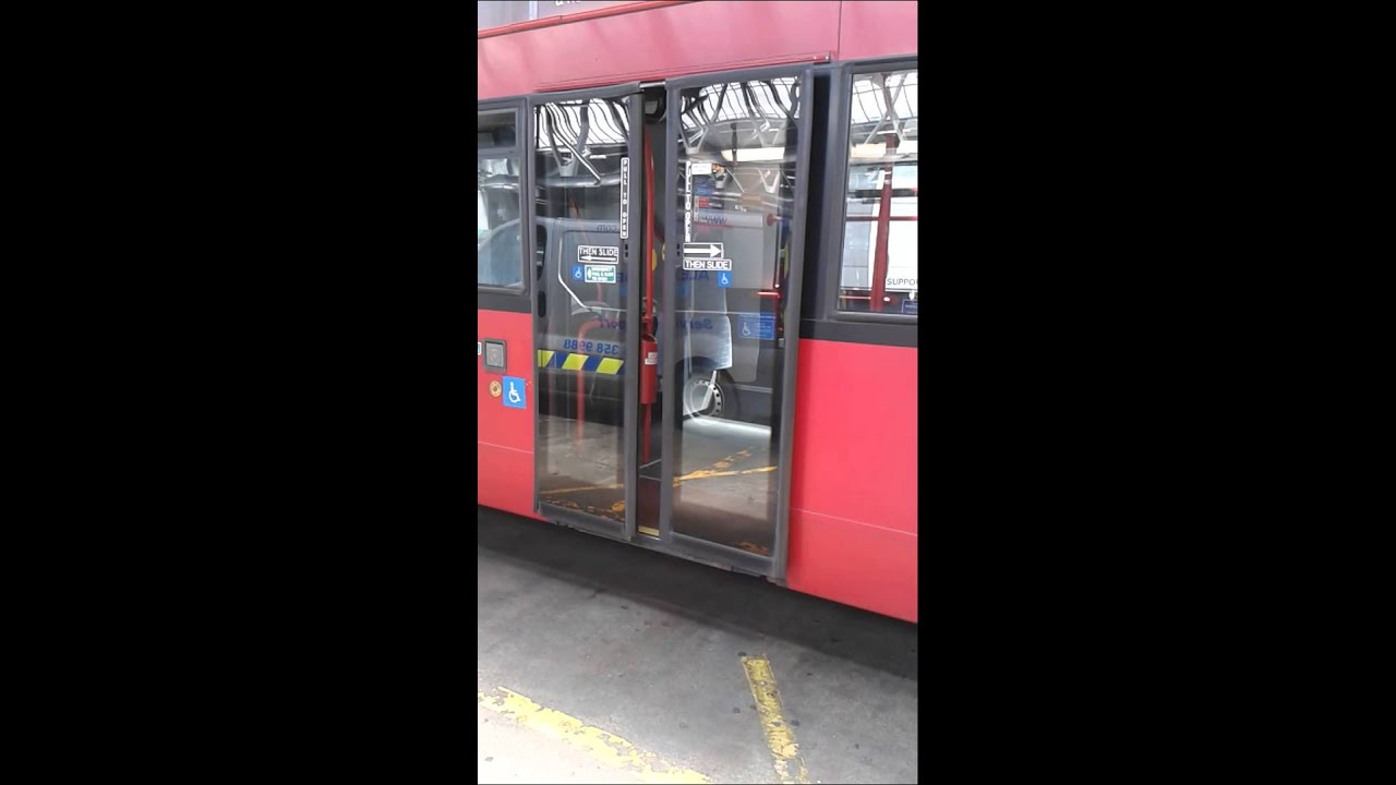 Psv Pneumatic Powered Doors On London Bus Youtube