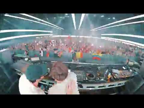 Martin Solveig at Tomorrowland | 🎥 ceedooo.be