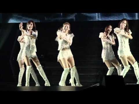 SNSD - Mr Taxi Live