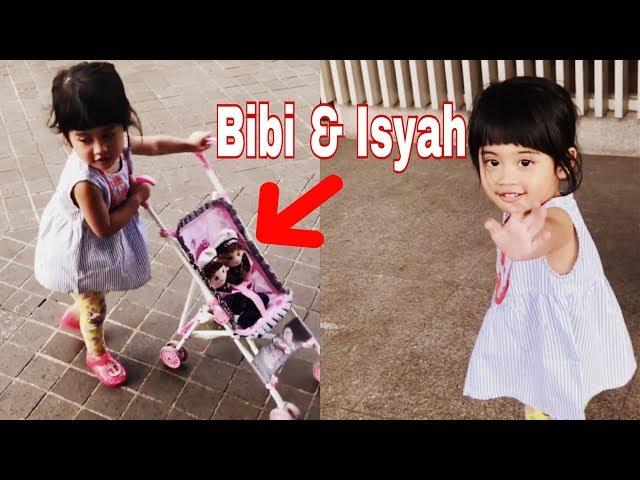 VANIA ATHABINA - Jalan Sehat Bersama Boneka Bibi & Isyah