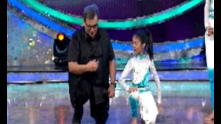 Subhash Ghai teaches dance to a kid at Dance India Dance